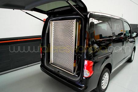 Rampas para sillas de ruedas para coches transportes de for Sillas para vehiculos